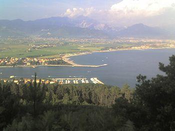 """L'area """"degradata"""" della foce del Magra e di Marinella"""