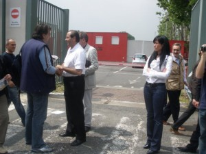 Antonio Di  Pietro e Marylin Fusco durante la campagna elettorale del marzo 2010