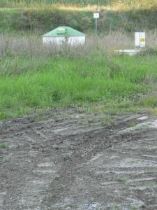 Anche la zona dei pozzi dell'Acam a Battifollo sono finiti sotto il fango. L'erogazione dell'acqua è stata sospesa per una notte. Dai rubinetti è uscito liquido marrone acqua